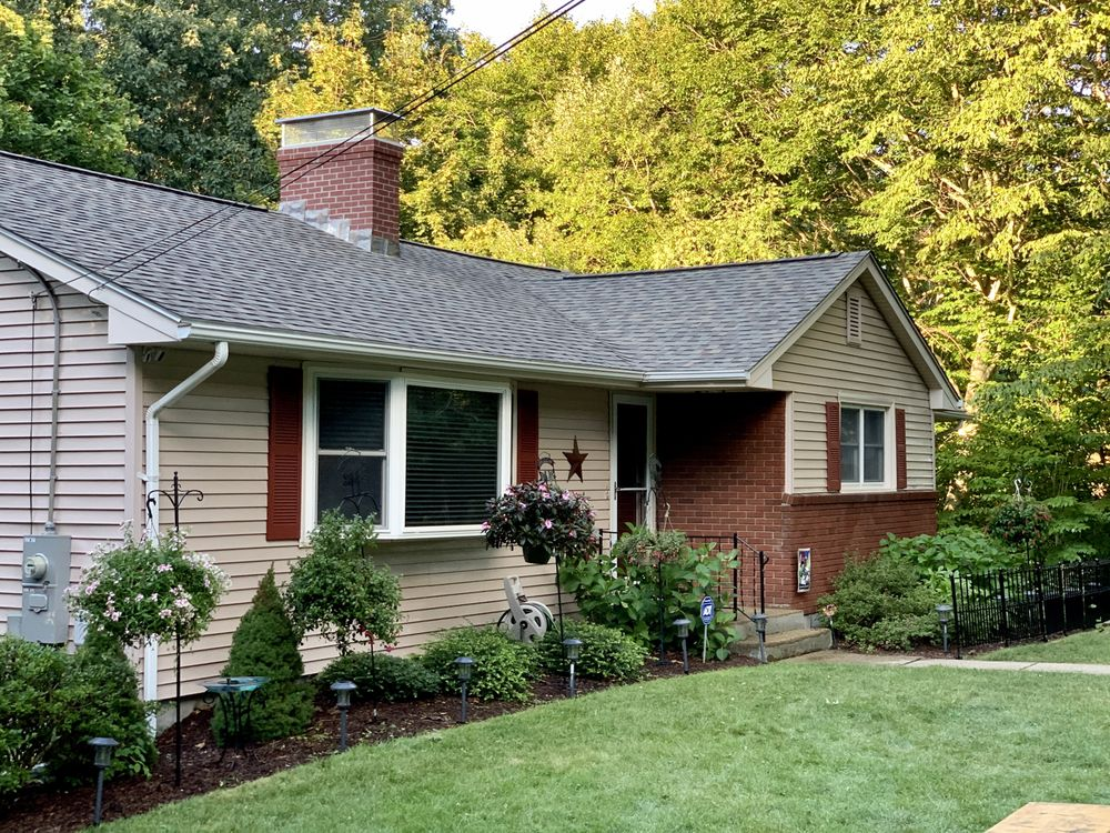 Krueger Window & Siding: 10 Palmer Ave, Griswold, CT