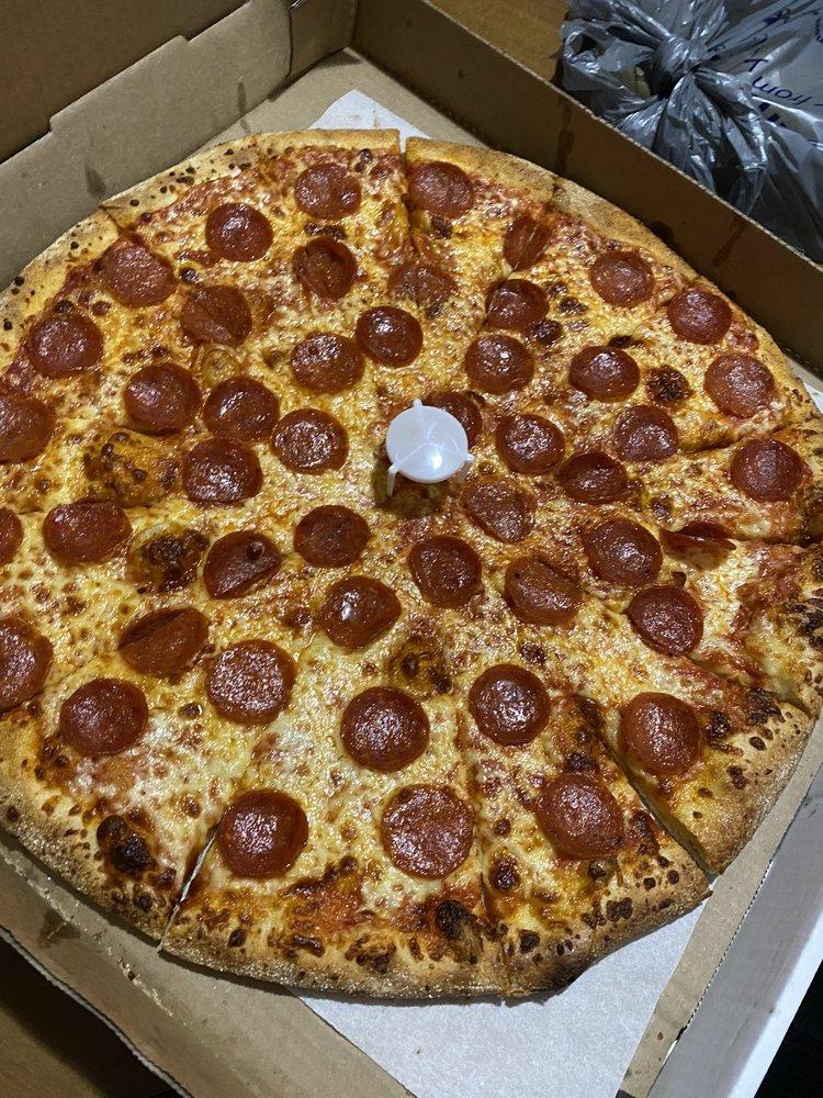 Zuko's Pizza: 1009 5th Ave, Coraopolis, PA