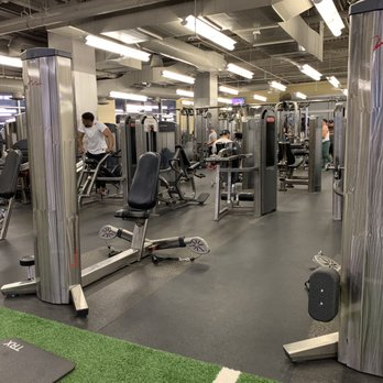 Eōs fitness 48 photos & 204 reviews gyms 1 e washington st