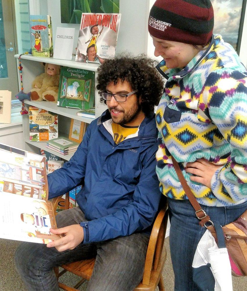 Seaport Books: 106 1st St, La Conner, WA