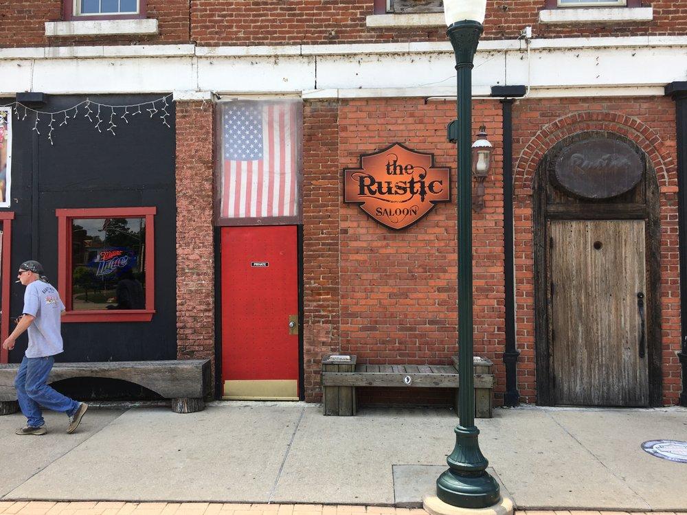 Rustic Inn: 108 N Water St, Wilmington, IL