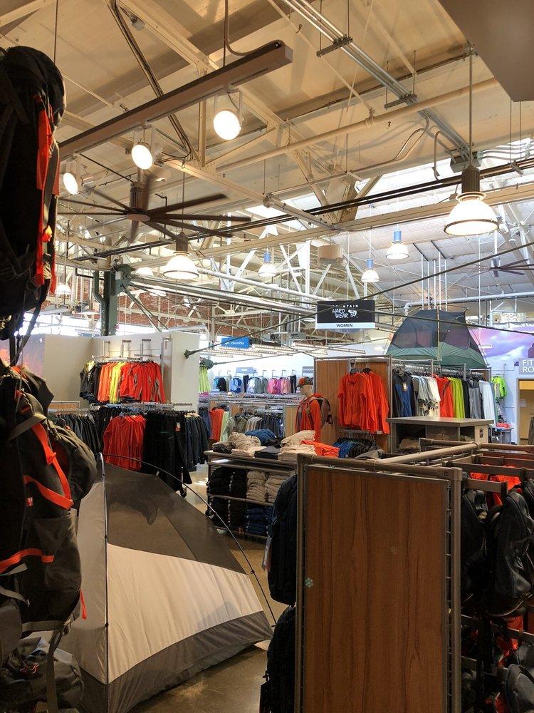 Columbia Sportswear Co. Employee Store at Mountain Hardwear: 1414 Harbour Way S, Richmond, CA