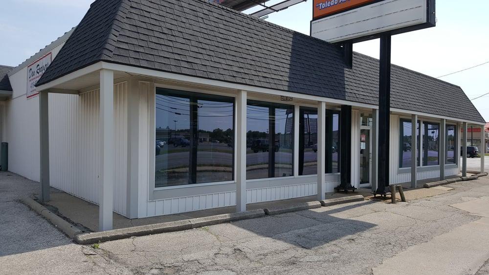 Dan Rodgers Sports Zone: 5340 Monroe St, Toledo, OH