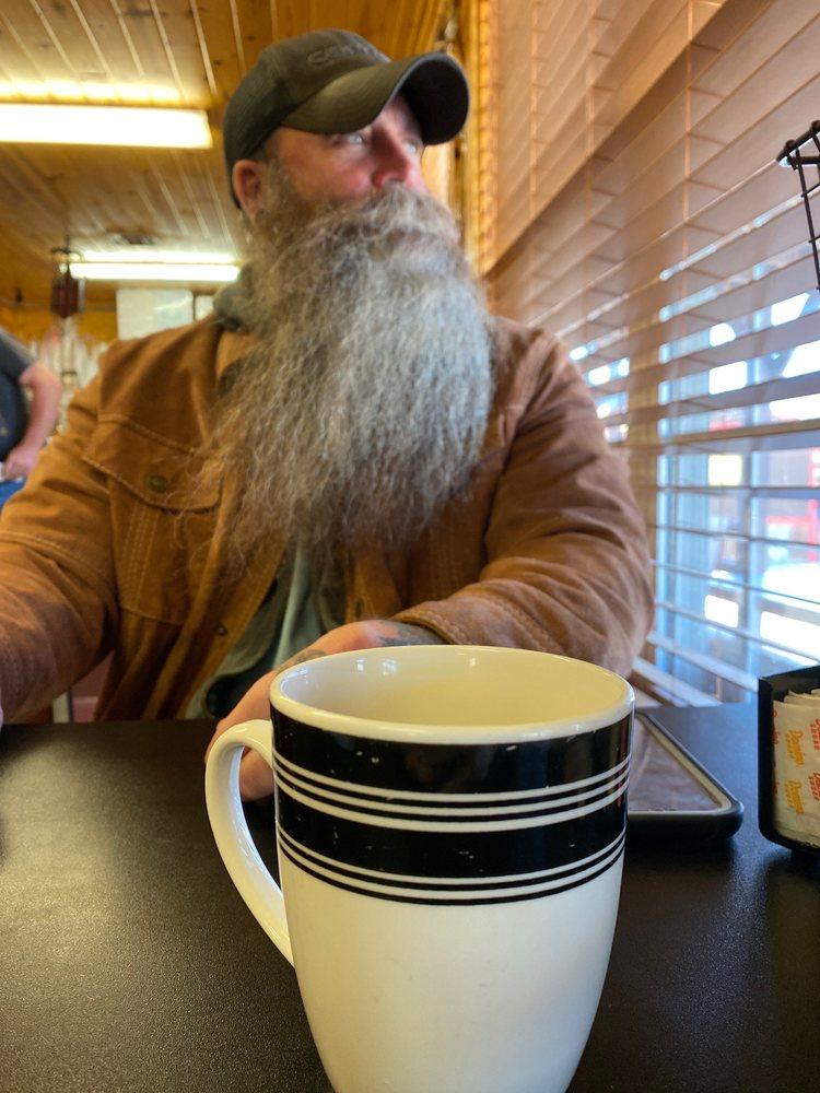 Log Cabin Cafe: 769 State Hwy 86, Ridgedale, MO