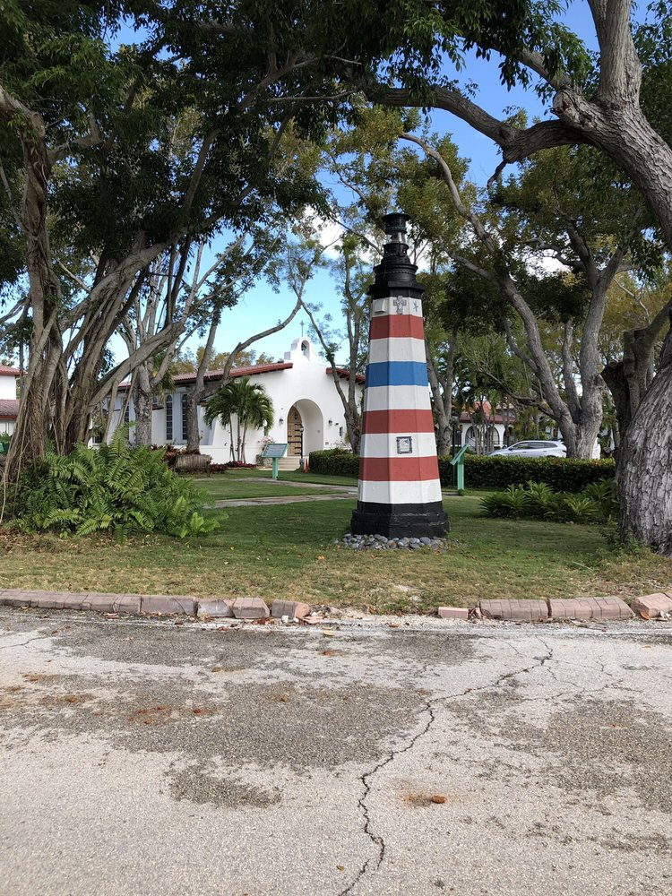 San Pedro Catholic Church: 89500 Overseas Hwy, Tavernier, FL