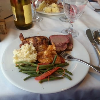 Photo Of Vagabond Cruise Hilton Head Island Sc United States Dinner