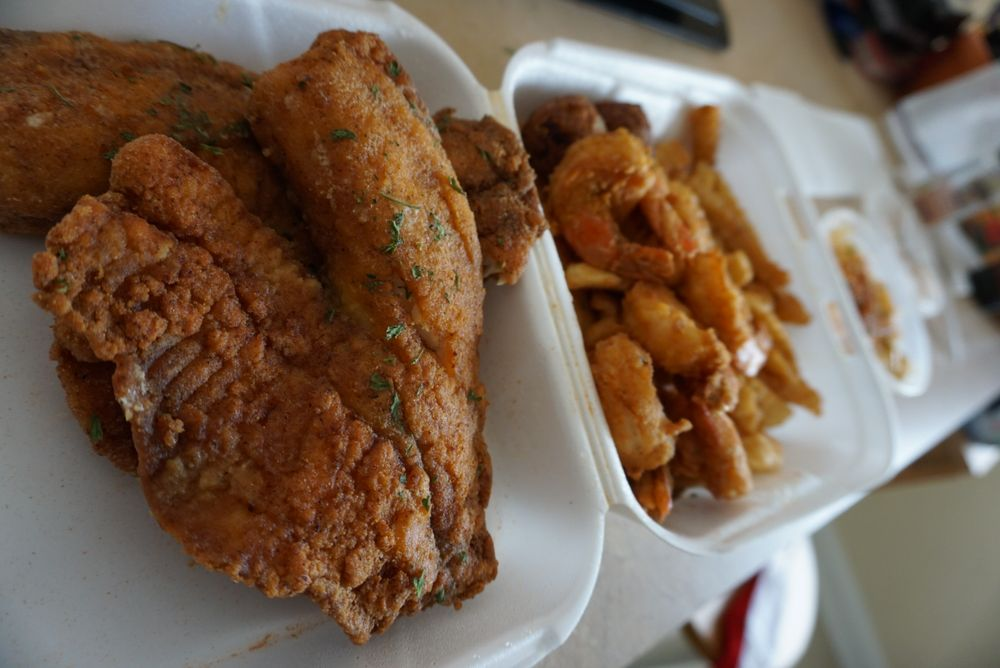 Shrimp Lips Seafood and Chicken: 1622 Parsons Avenue, Columbus, OH