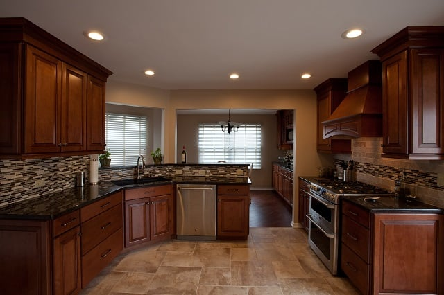 California Flooring: 11480 N 1000 E Rd, Manteno, IL