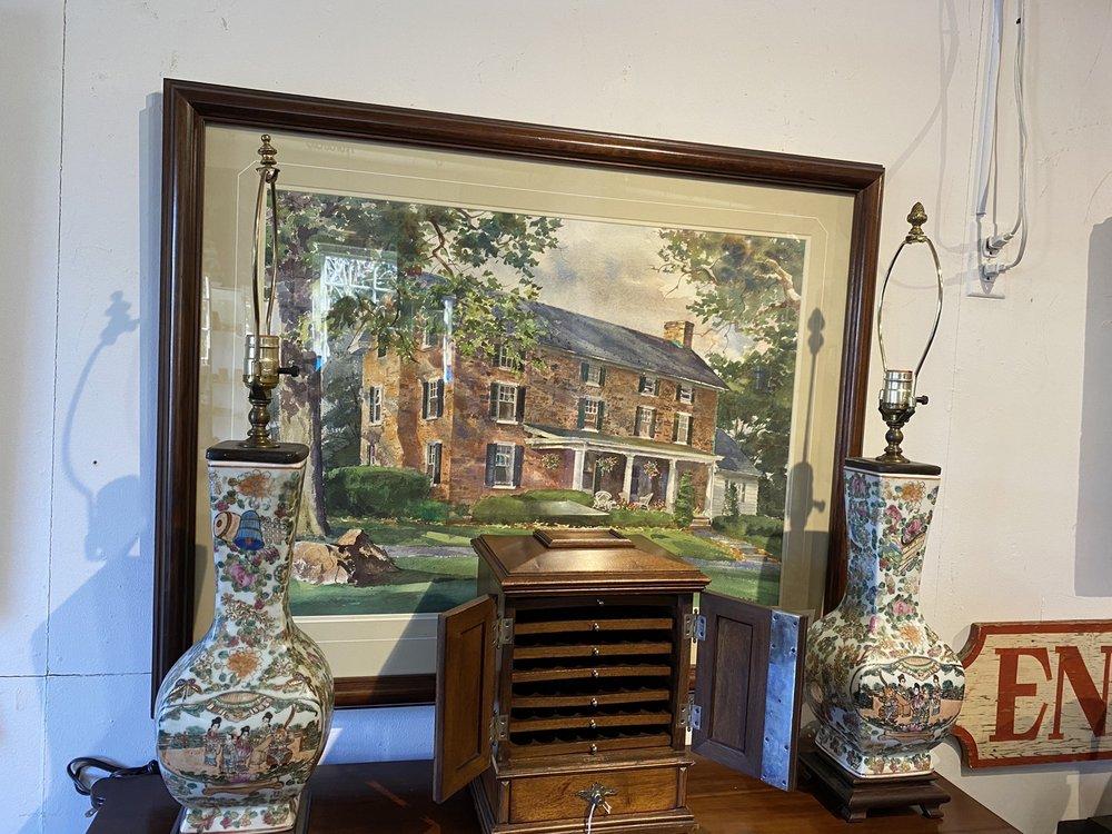 Bucks County Antique Center: 5791 York Rd, Buckingham, PA