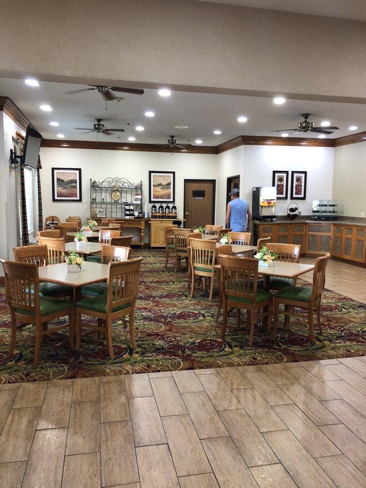 Coshocton Village Inn & Suites: 115 N Water St, Coshocton, OH