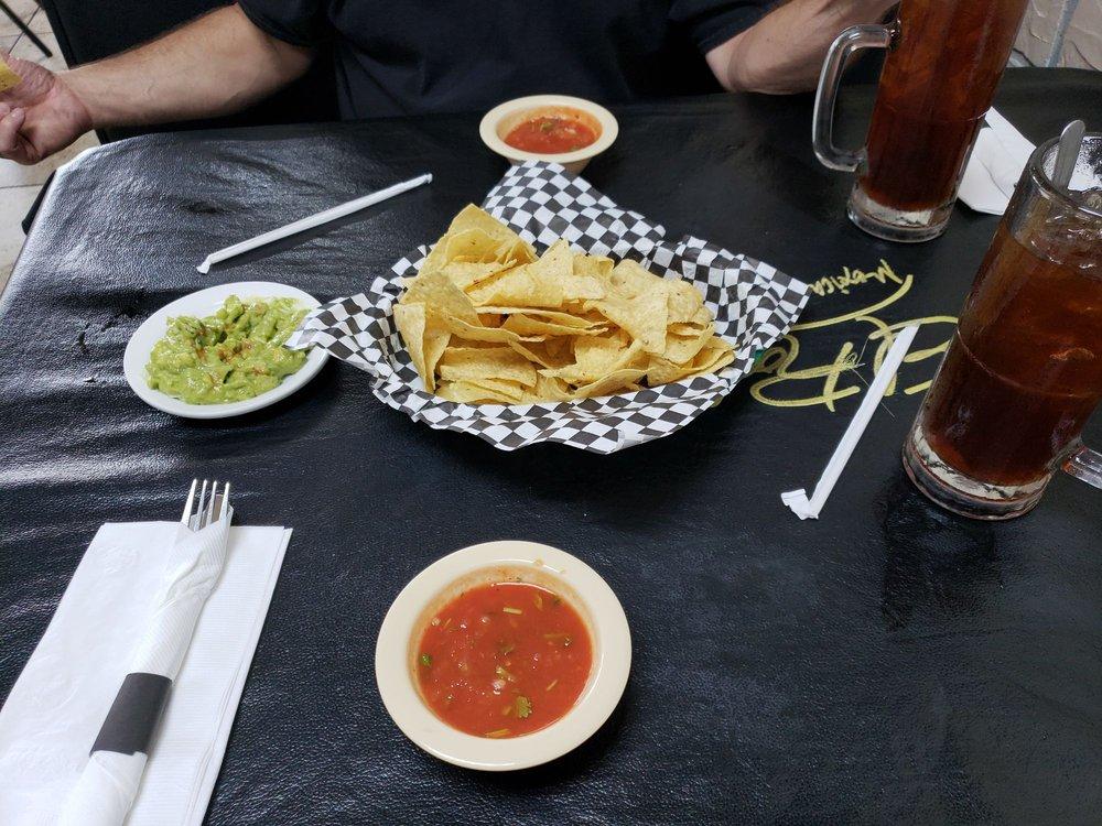 El Rodeo Mexican Restaurant: 450 Hwy 78, Lavon, TX