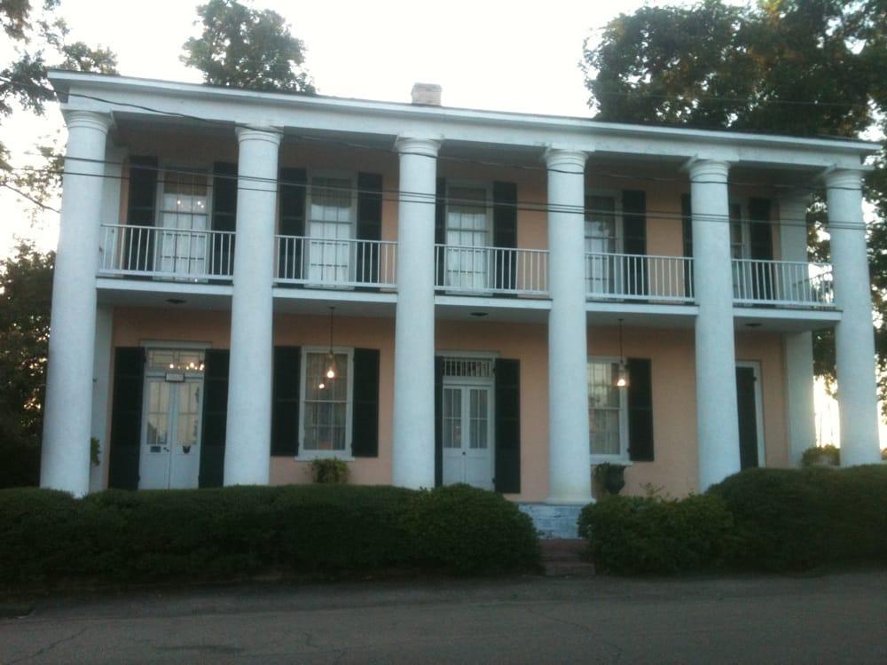 Milbank Historic Inn: 3053 Bank St, Jackson, LA