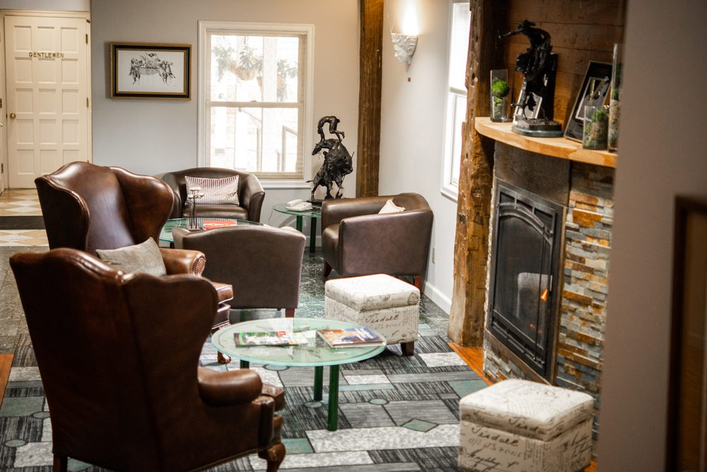 Inn at the Mill, an Ascend Hotel Collection Member: 3906 Johnson Mill Blvd, Springdale, AR