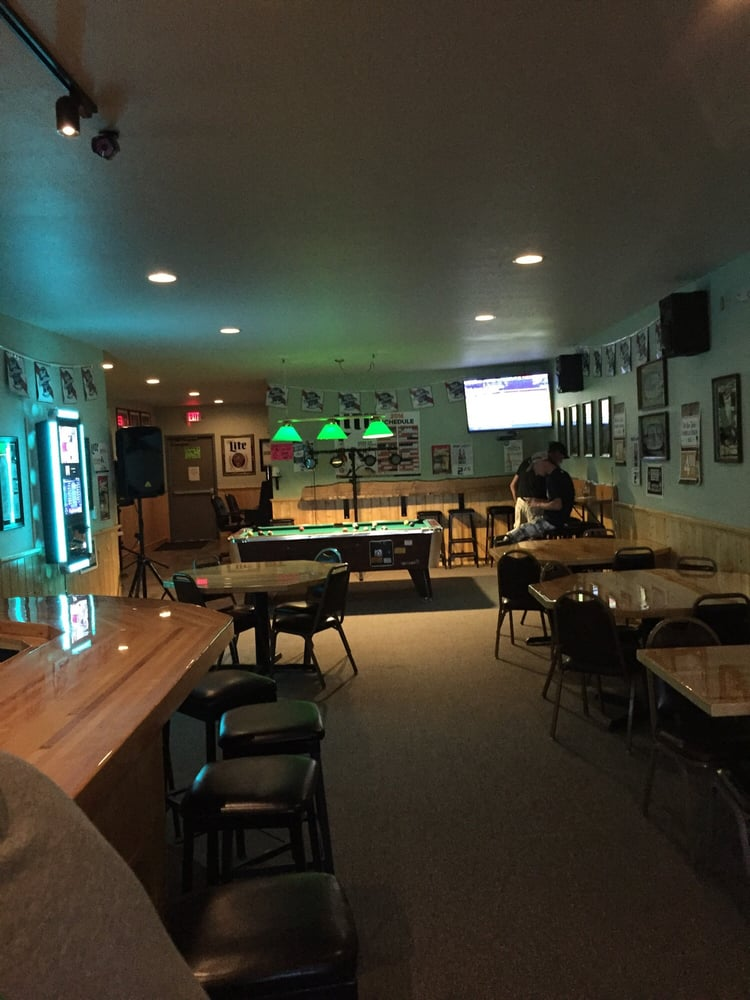 Murphy's Tavern: 32 E Northern Ave, Barryton, MI