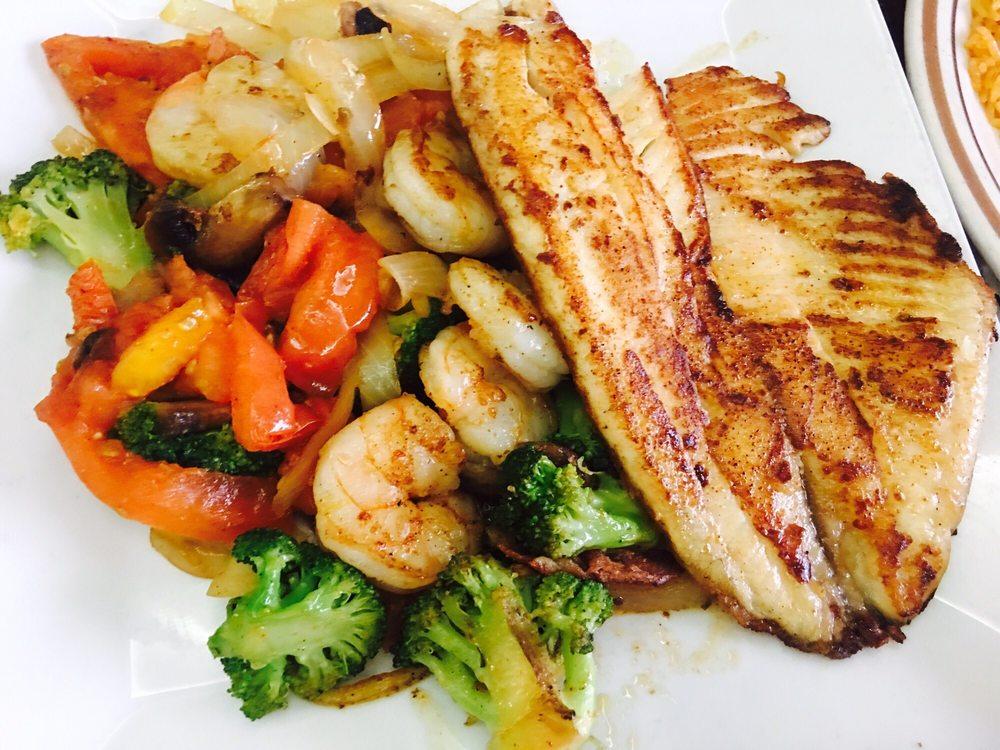 Hacienda Las Margaritas Bar & Grill: 8176 State Hwy 17, Elgin, OK