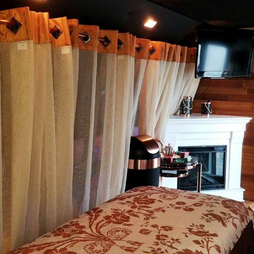 Heavenly Hands Massage & Acupuncture: 6727 Winthrop St, Detroit, MI