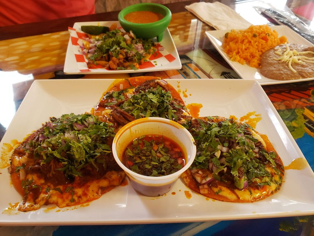 Food from Poncho's Tacos