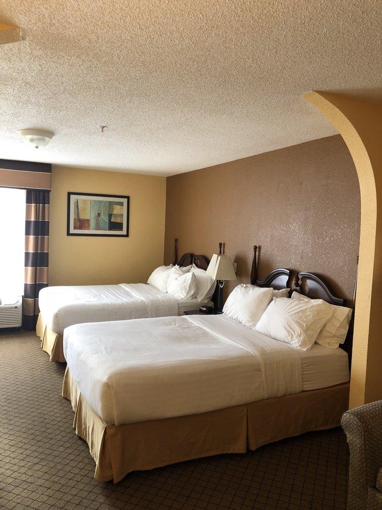Holiday Inn Express & Suites Milton East I-10: 8510 Keshav Taylor Dr, Milton, FL