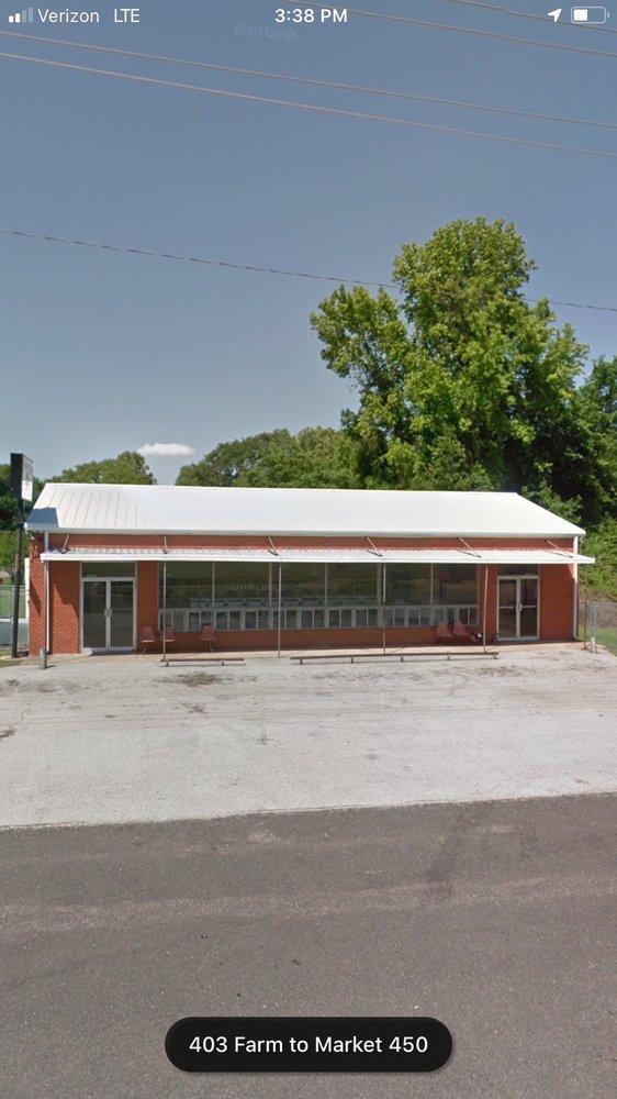 Duds N Suds Washateria: 403 E Main St, Ore City, TX