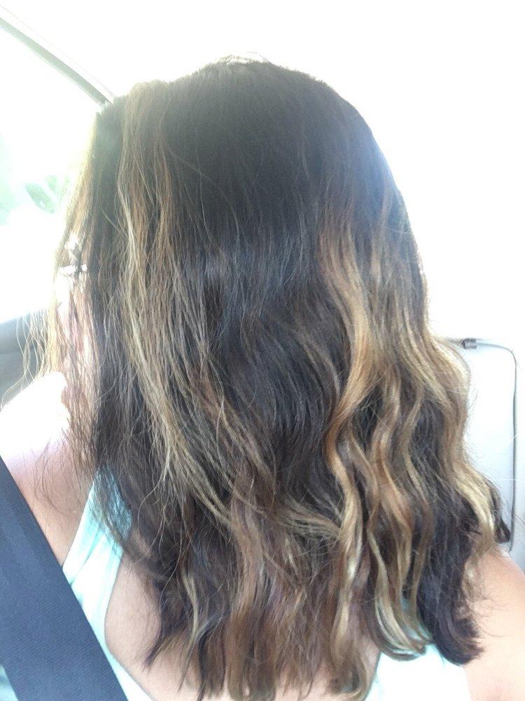 Headlines Hair Designs & Nails: 1075 Duval St, Key West, FL