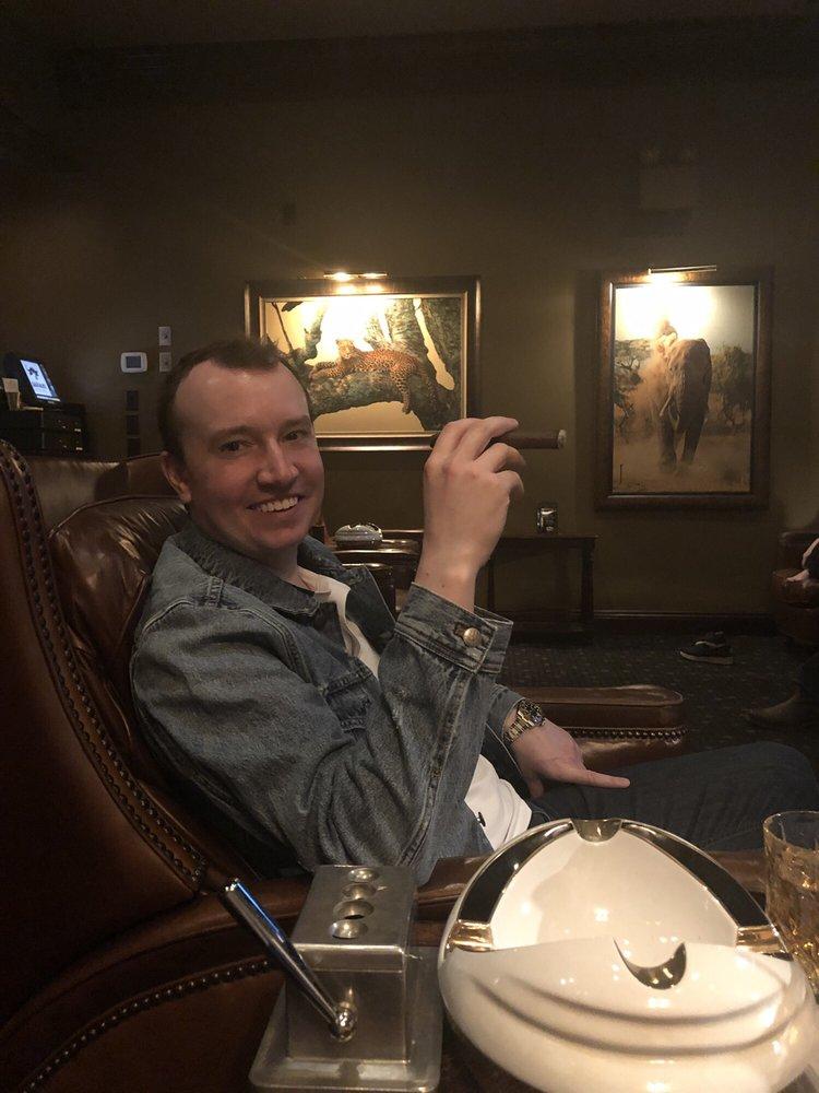 Safari Cigars and Lounge: 13110 Birch Dr, Omaha, NE