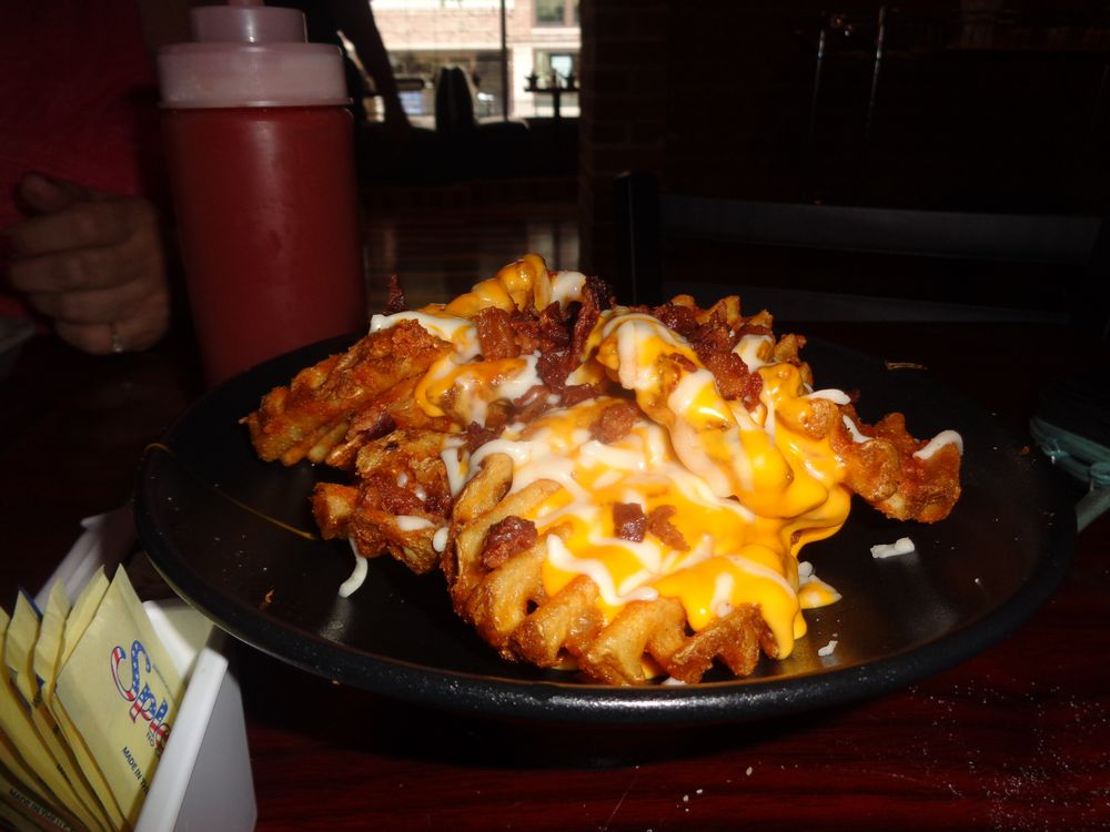Coney McKane's American Eatery: 104 E Prairie Ave, Decatur, IL