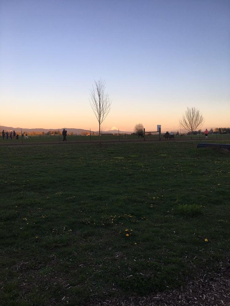 Lucky Memorial Off-leash Park: 11104 NE 149th St, Brush Prairie, WA