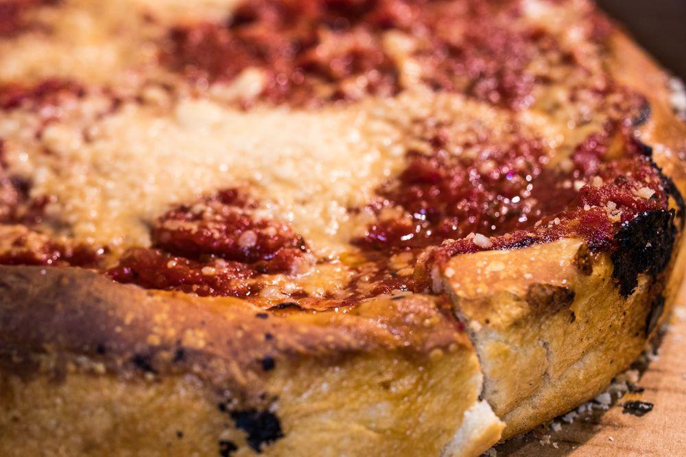 Selma's Chicago Pizzeria & Tap Room