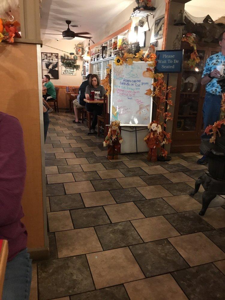 Lisa's Country Kitchen: 1712 N Hwy 92, Jefferson City, TN