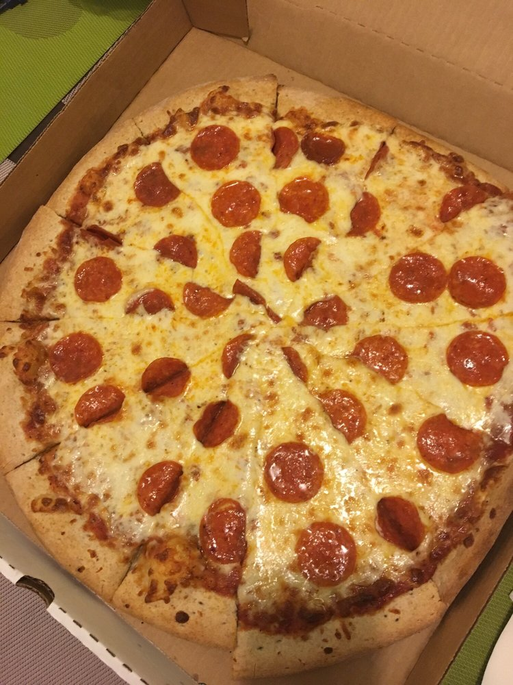 Pizza Chef's Bar & Grill: 2196 Ave, Ponce, PR