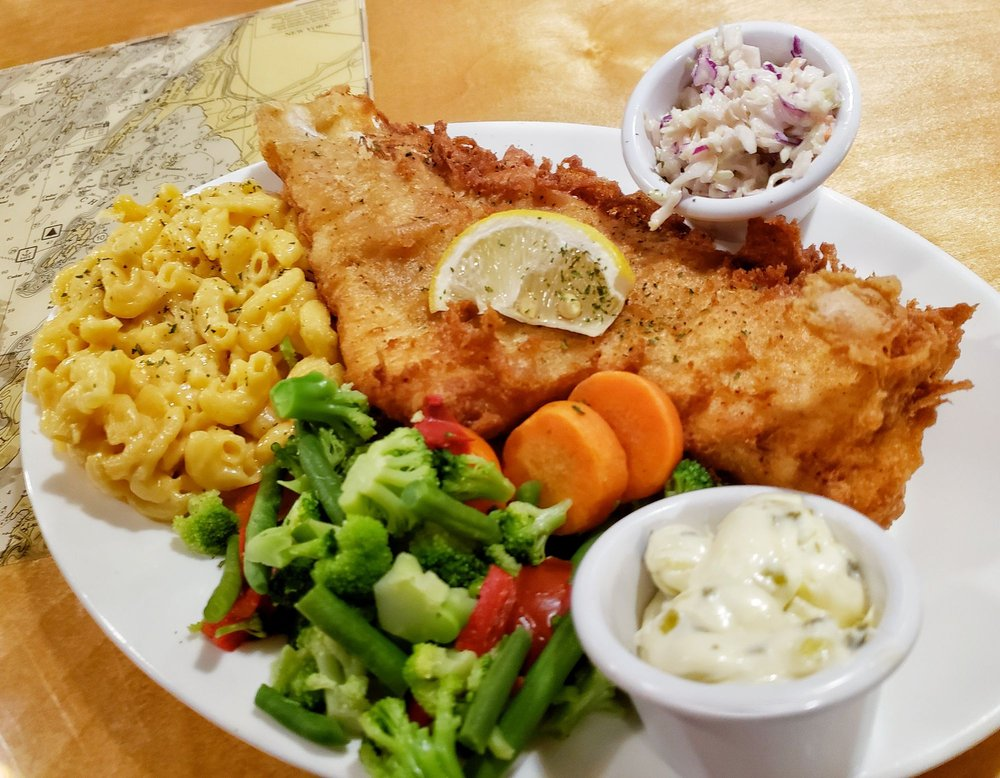 Fins Eatery and Pub: 43681 State Route 12, Alexandria Bay, NY