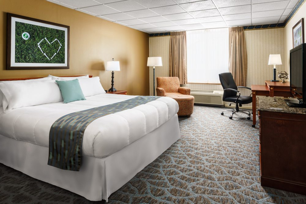 Lakeview Golf Resort & Spa: One Lakeview Dr, Morgantown, WV