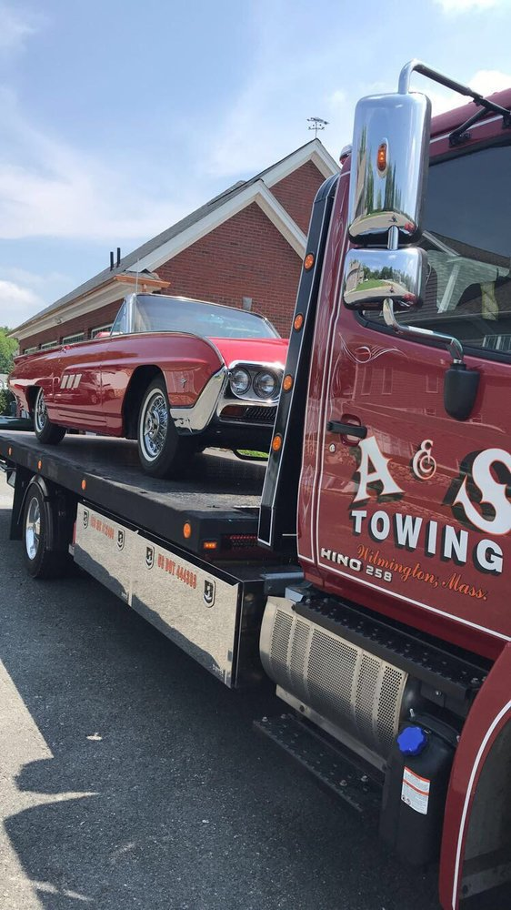 Towing business in North Reading, MA