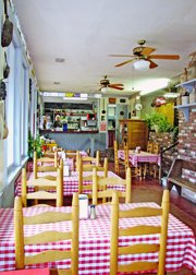 Museum of Appalachia Restaurant: 2819 Andersonville Hwy, Clinton, TN