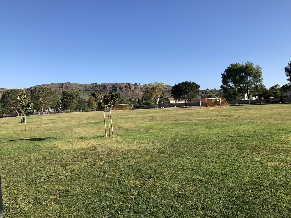 Wildflower Playfield: 635 W Avenida De Los Arboles, Thousand Oaks, CA