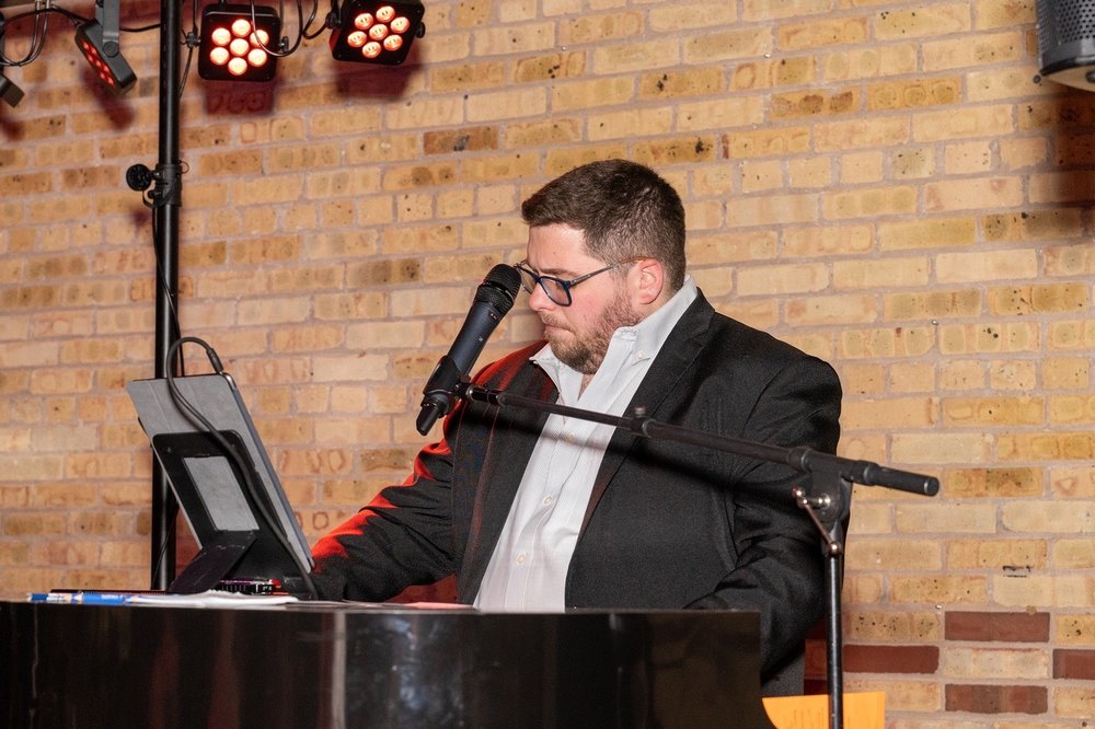 Felix And Fingers Dueling Pianos Entertainment: 6012 Highland Ln, Village of Lakewood, IL