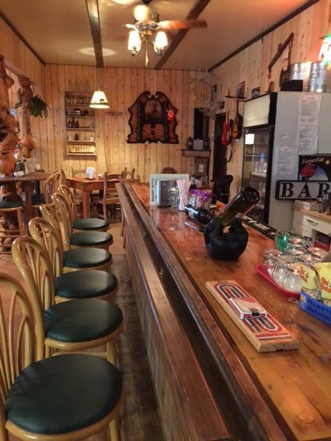 Buckshot Betty's: Beaver Creek, YT