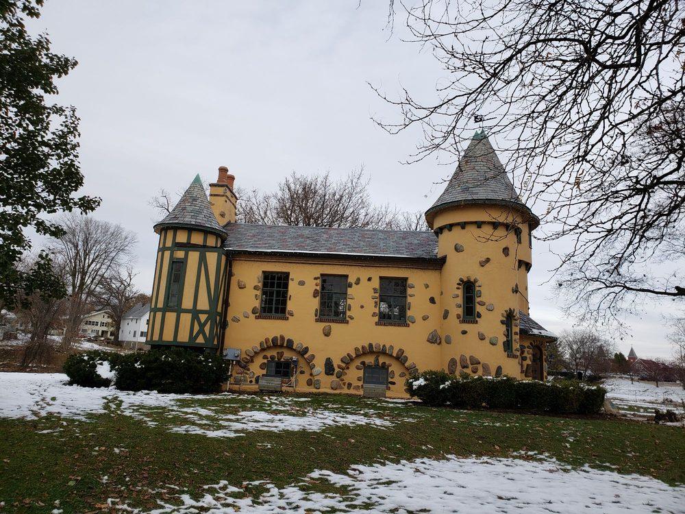 Curwood Castle: 224 Curwood Castle Dr, Owosso, MI
