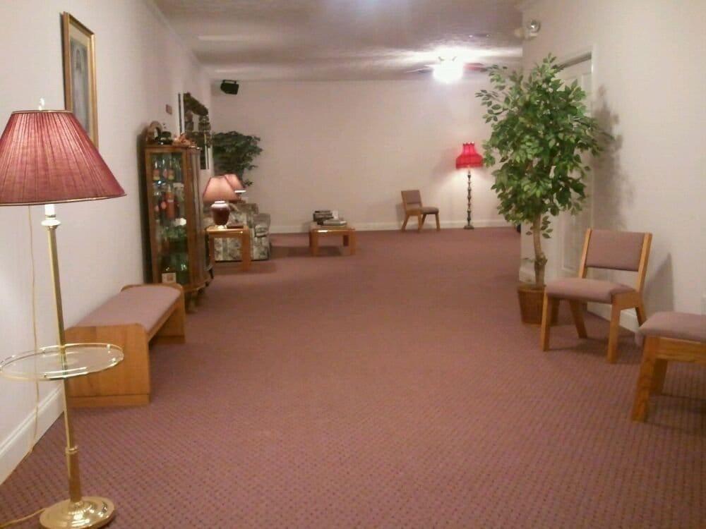 Brown Funeral Chapel: 504 W Main St, Byrdstown, TN