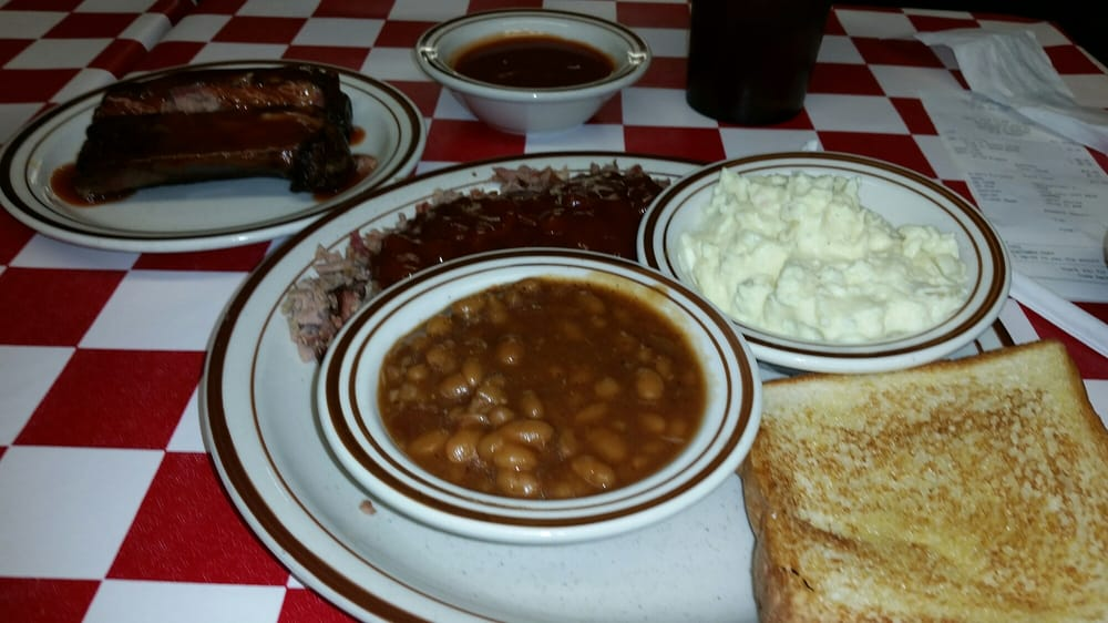 Ray's Bar B Q: Hwy 77, Attalla, AL