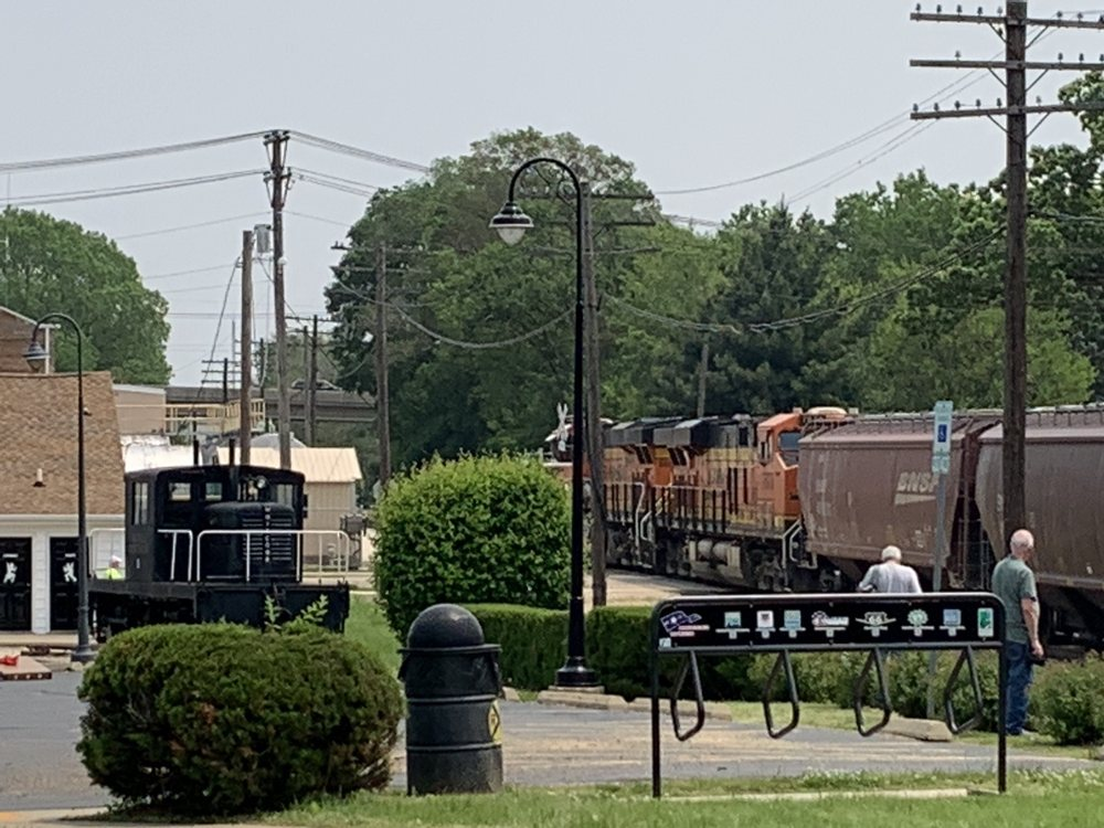 Rochelle Railroad Park: N 9th St, Rochelle, IL