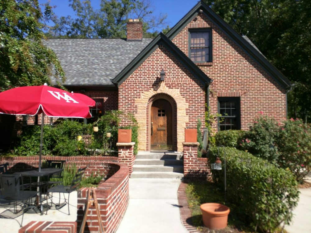 The Manchester Arms: 1705 Virginia Ave, College Park, GA