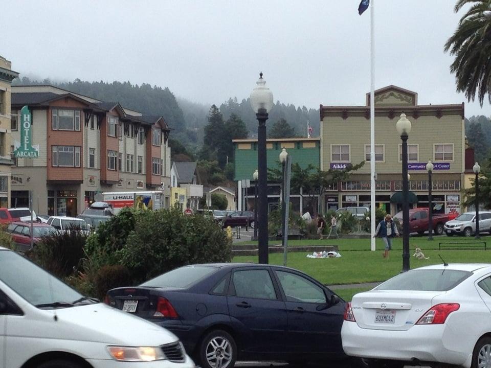 Humboldt County Female Escorts