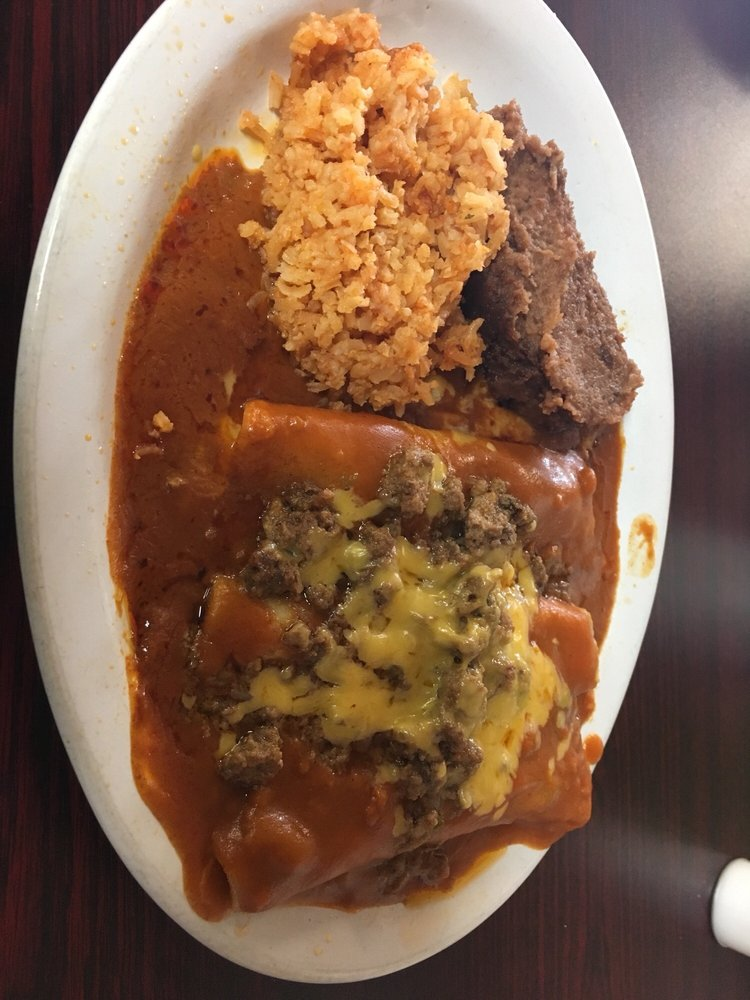 Taco House: 603 N 1st St, Carrizo Springs, TX