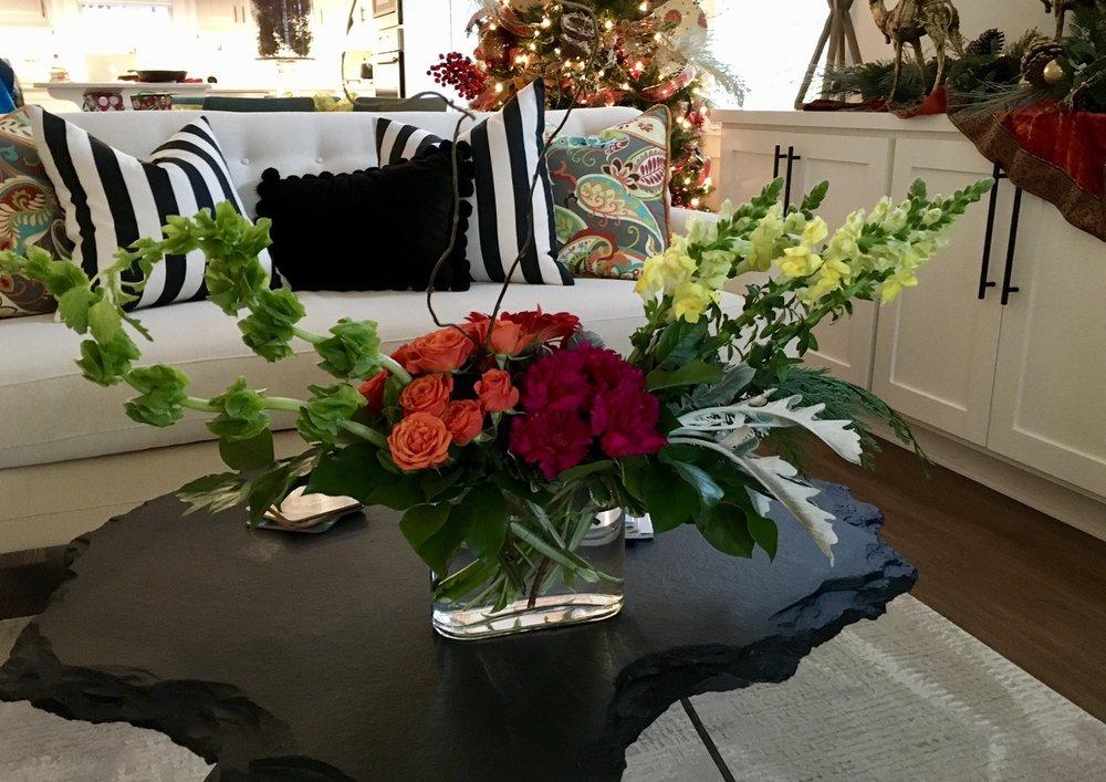 Johnson Floral Co: 300 Higdon Ferry Rd, Hot Springs, AR