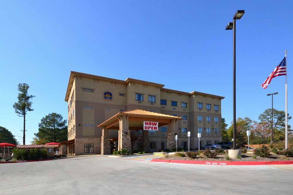 Best Western Plus Classic Inn & Suites: 210 Moffett Dr, Center, TX