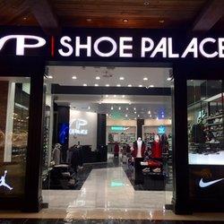 Shoe palace las vegas fashion show 77