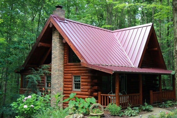 Wildwood Hill Cabin: 11095 Pleasant Hill Rd NW, Dundee, OH