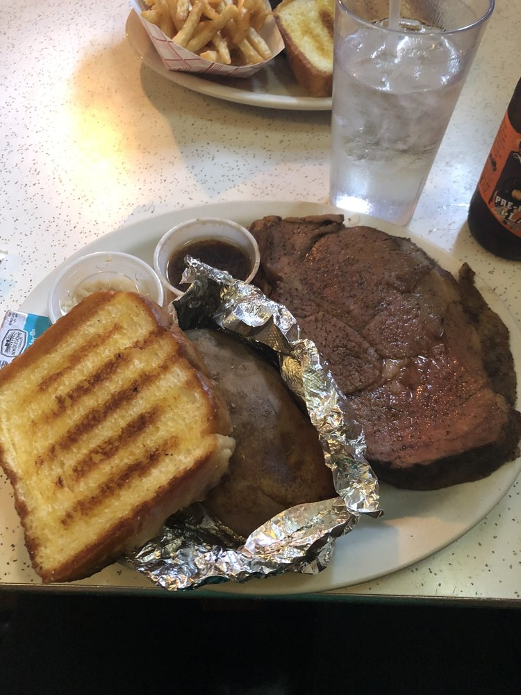Outlaw Steakhouse & Saloon: 153 4th St, Garland, NE