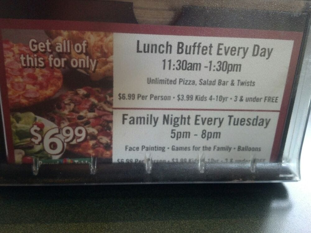 Round Table Pizza Lunch Buffet